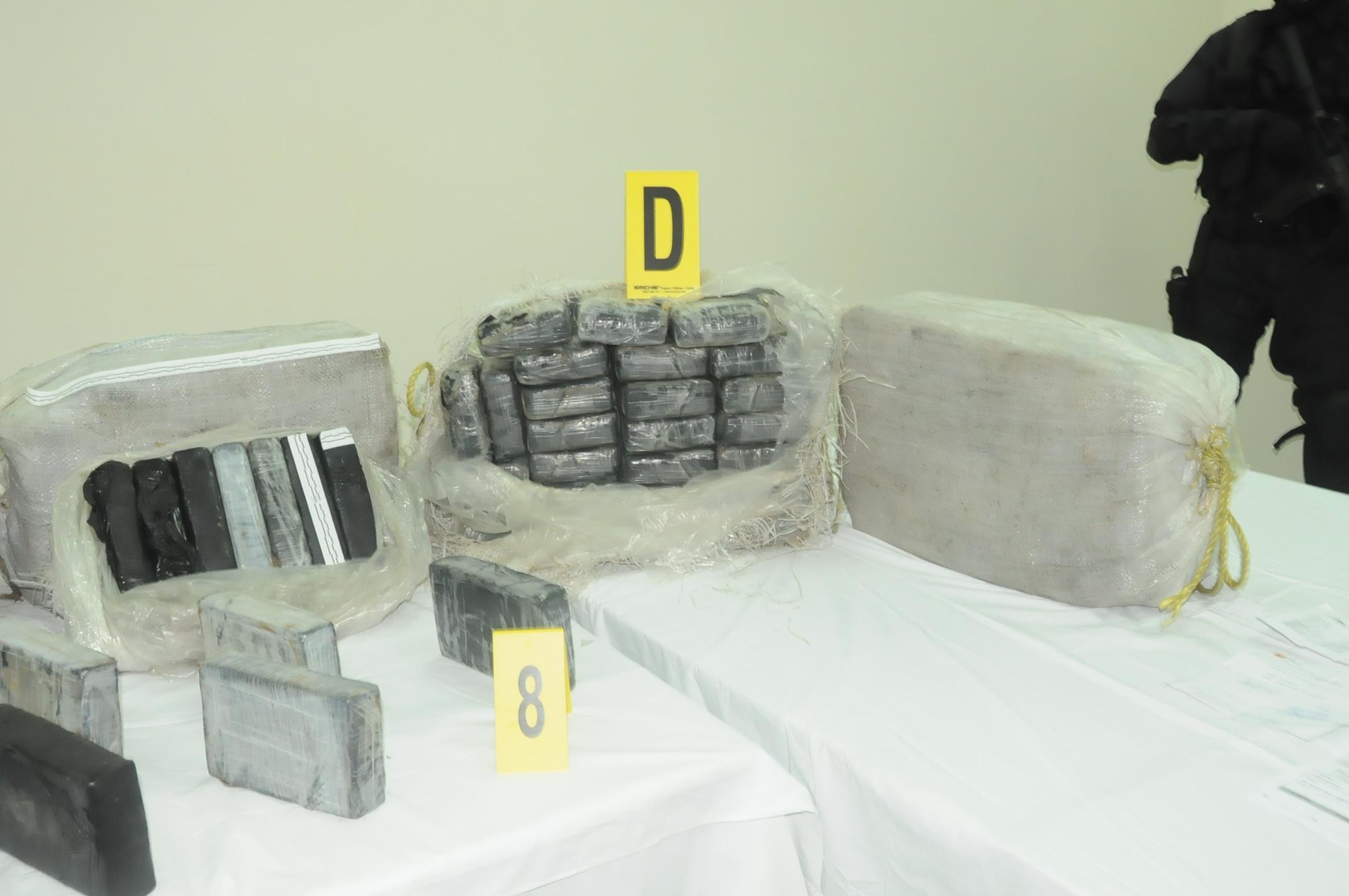 """محكمة طنجة تؤجل النظر في متهمين في اطار باخرة الكوكايين التي اوقفها """" إف بي اي """" المغرب"""