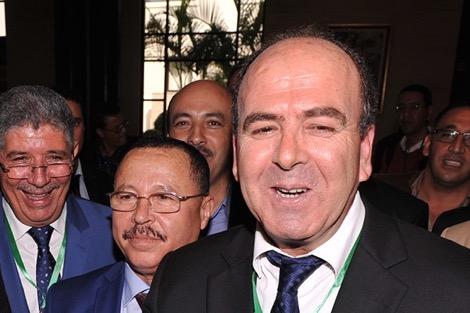 """بشااااخ… بعد """"توارك"""" الشوباني….حكيم بنشماس ديال البام شرى 12سيارة مرسديس ب700مليون"""