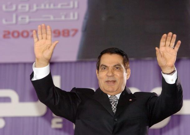 الرئيس التونسي السابق المخلوع بن علي يعترف بضحايا التعذيب في عهده