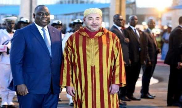 الملك محمد السادس يجري مباحثات على انفراد مع الرئيس السنغالي