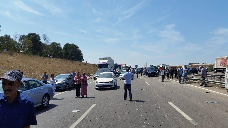 مصرع أربع سيدات ينتمين لجمعية رياضية في حادثة سير على الطريق السيار بين الدار البيضاء والرباط