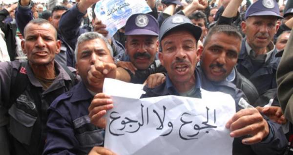 الجزائر توجد على حافة الهاوية