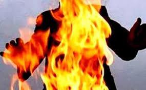 بوعزيزي آخر بتونس…تلميذ  يقدم على اضرام النار في جسده