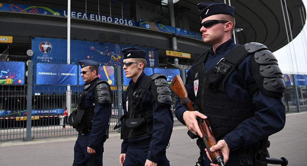 فرار مسلح احتجز عددا من الاشخاص في مكتب سفريات في باريس