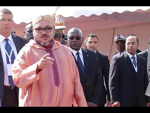 الملك محمد السادس يحضى باستقبال كبير بنيجيريا