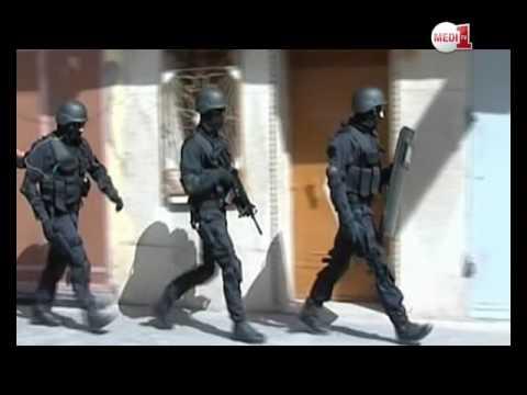 """شاهد لحظة إيقاف متطرف موالي ل""""داعش"""" على صلة بخلية خطيرة في فرنسا"""