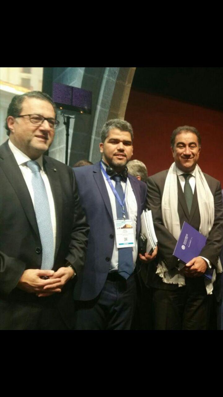 الوفد المغربي المشارك المؤتمر الدولي للتنمية الاقتصادية بشمال إفريقيا باسبانيا يحتج على بتر جزء من خريطة المغرب